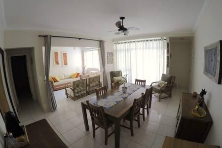 Apartamento a venda na Rua Sílvia Valadão de Azevedo, Pitangueiras, Guarujá, SP