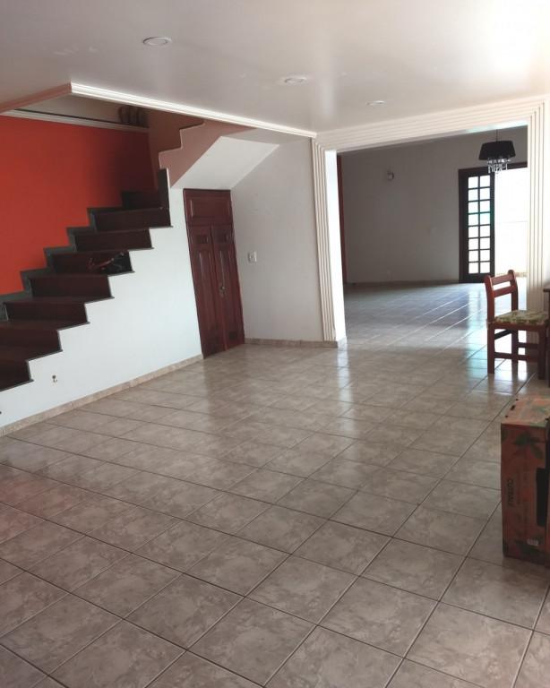 Casa a venda na Estrada São Francisco, Jardim Helena, Taboão da Serra, SP