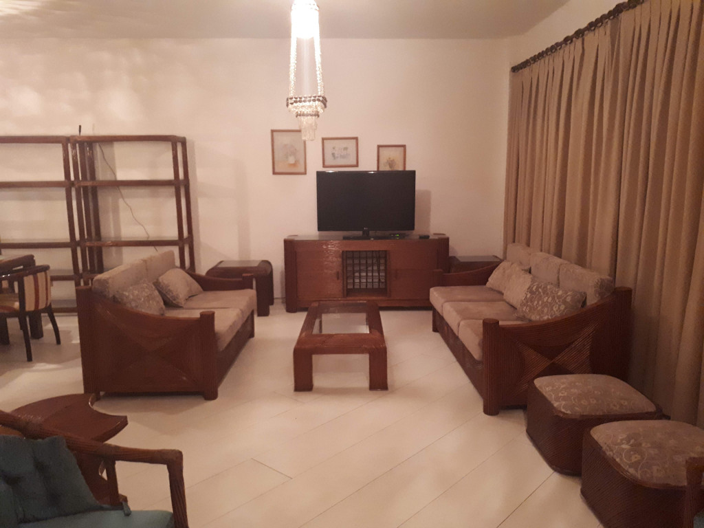 Apartamento a venda na Avenida Gérson Maturani, Enseada, Guarujá, SP