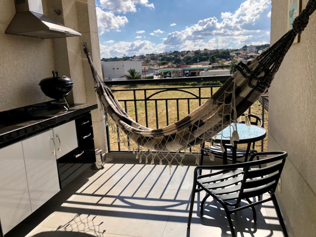 Apartamento a venda na Rua Alexandre Trícolli, Vila Helena, Atibaia, SP