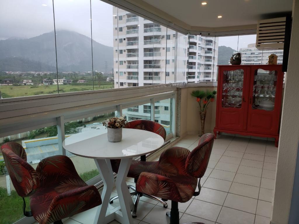 Apartamento a venda na Avenida Salvador Allende, Recreio dos Bandeirantes, Rio de Janeiro, RJ