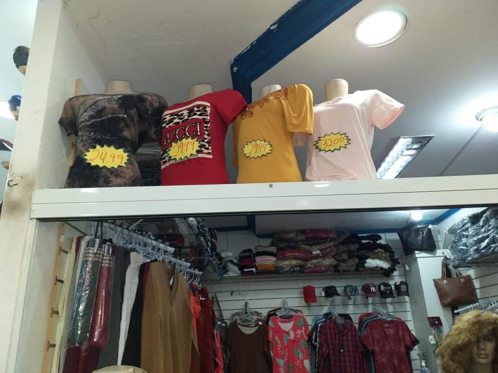 Loja para locação na Rua Mário Gasparin, Sítio Cercado, Curitiba, PR