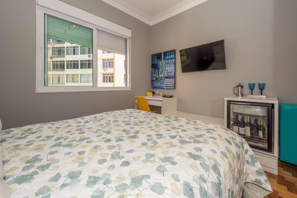 Apartamento para venda, locação ou temporada na Avenida Nossa Senhora de Copacabana, Copacabana, Rio de Janeiro, RJ