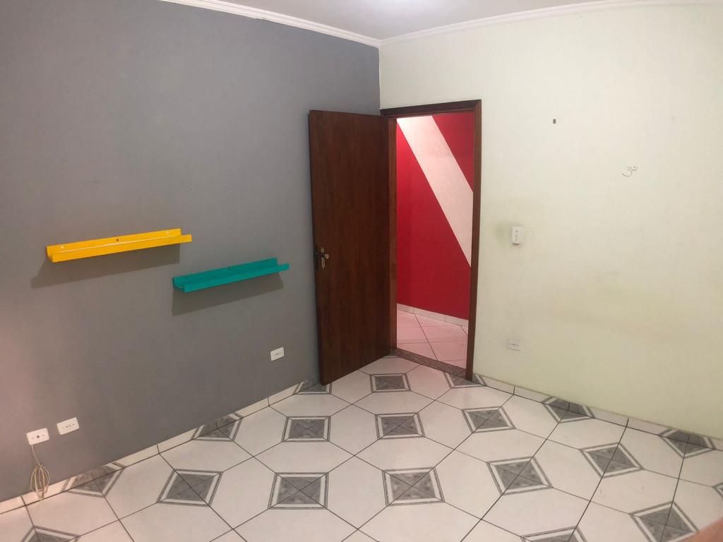 Apartamento para venda ou locação na Rua Juruá, Vila Eldízia, Santo André, SP