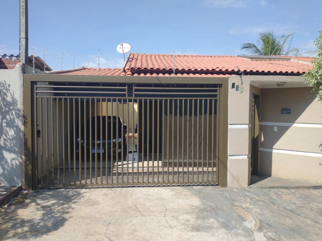 Casa a venda na Rua José Sternieri, Parque das Aroeiras, São José do Rio Preto, SP