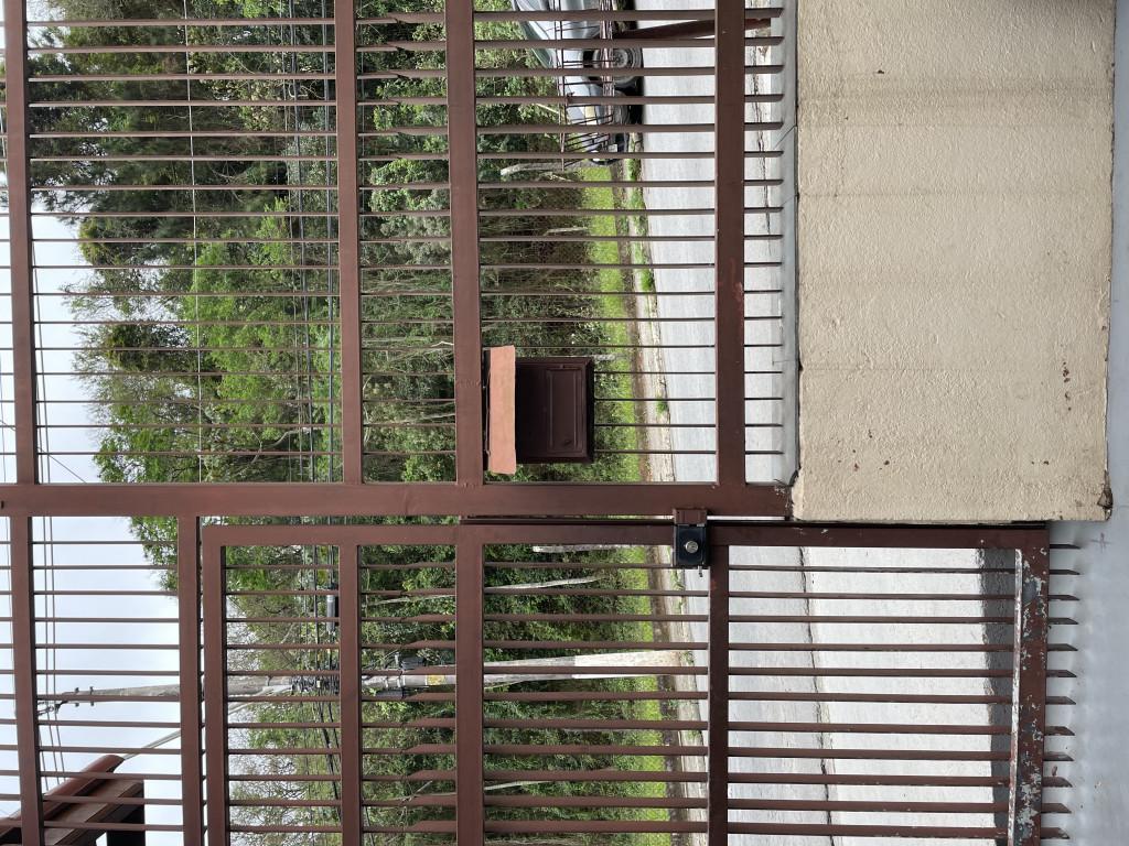 Casa para venda ou locação na Avenida Benedito Isaac Pires, Parque Dom Henrique, Cotia, SP