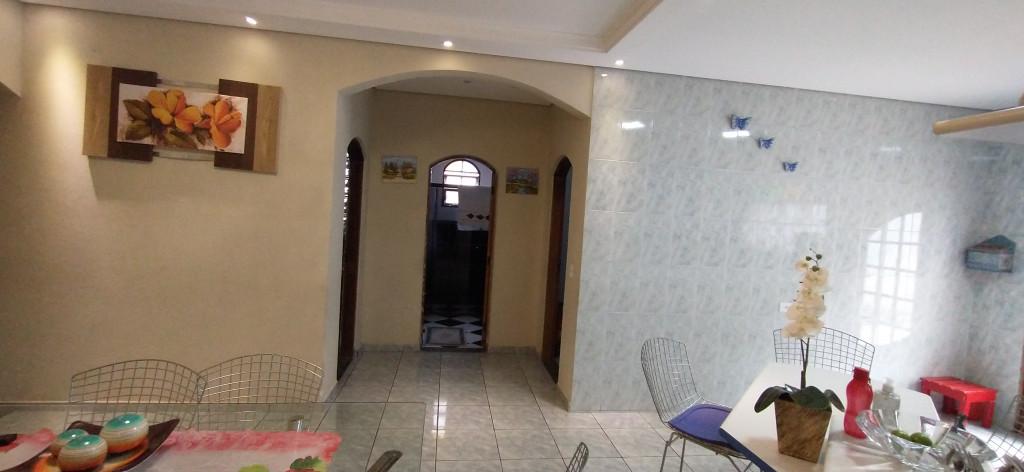 Casa a venda na Rua Benedita Martins Ramos, Jardim Três Corações, São Paulo, SP